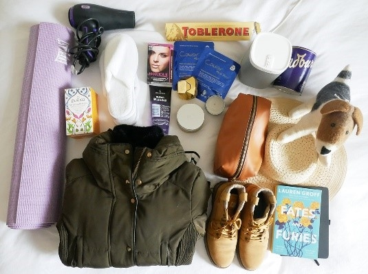 The ultimate suitcase by Victoria from Pommie Travels